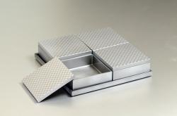 モダンな重箱:チェス角オードブルセット(銀)